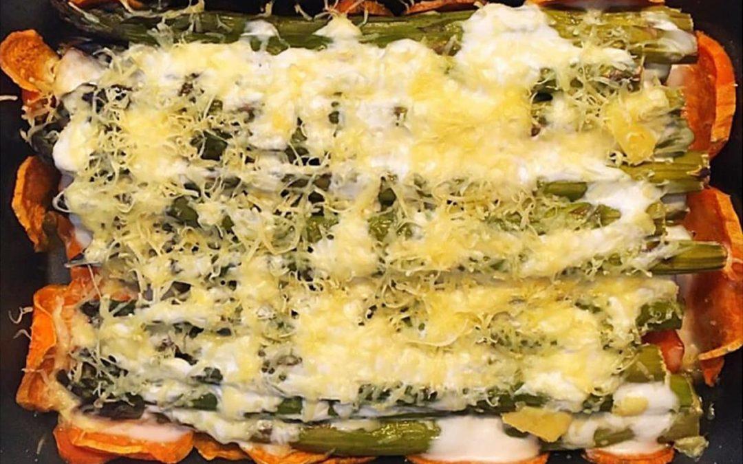 Édesburgonyás-csőben sült spárga recept